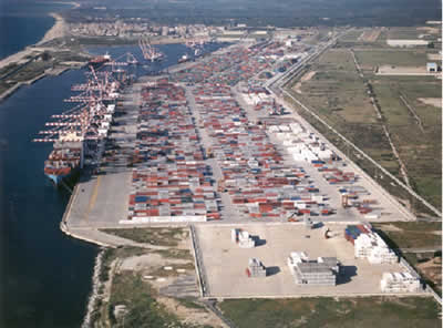 Photograph of the port of Giaio Tauro, Italy